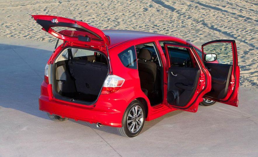 2011 Honda Jazz hybrid (Euro-spec) - Slide 21