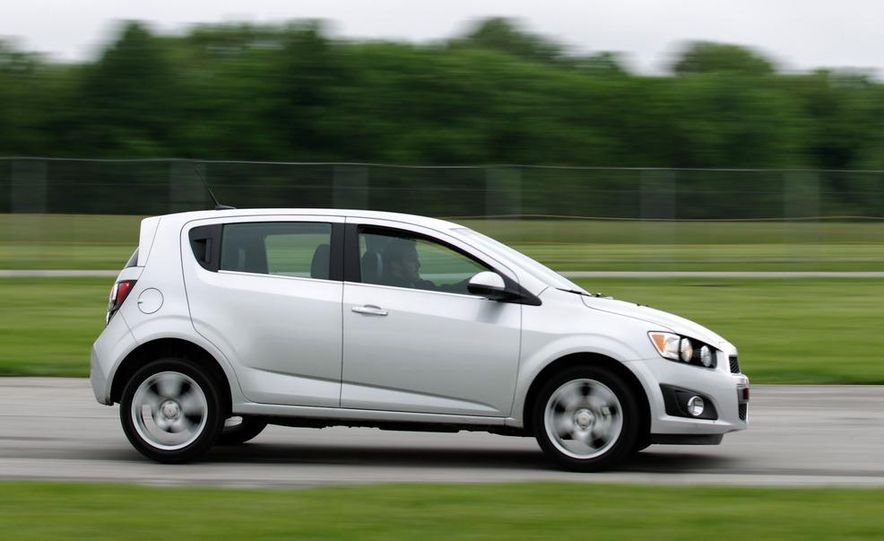 2013 Chevrolet Sonic RS - Slide 22