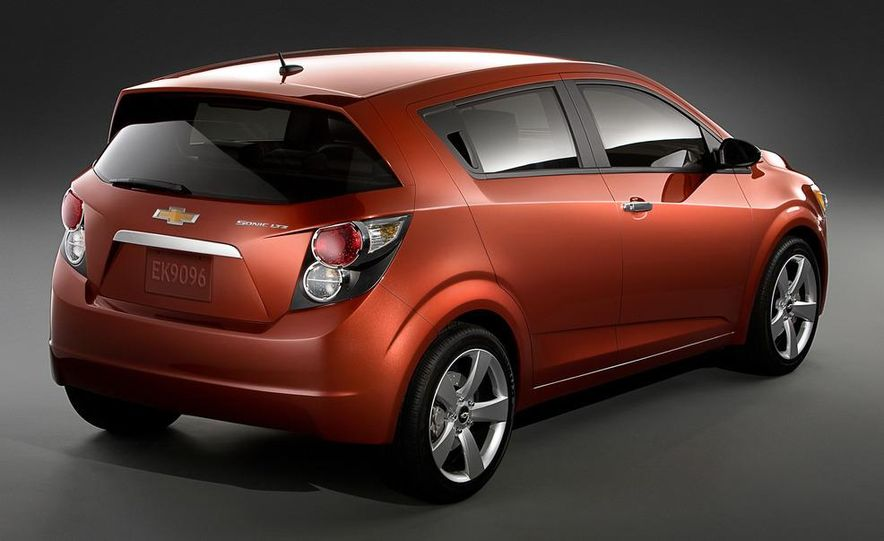 2013 Chevrolet Sonic RS - Slide 34
