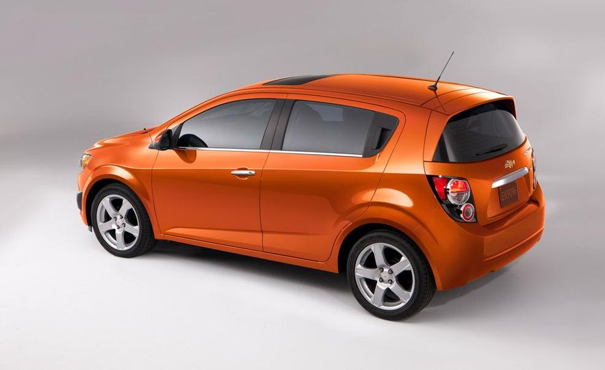 2013 Chevrolet Sonic RS - Slide 32