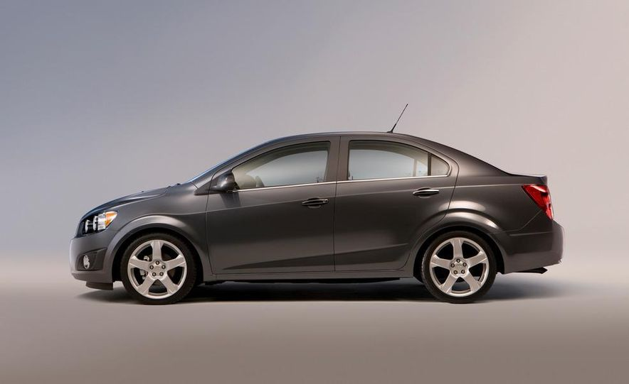 2013 Chevrolet Sonic RS - Slide 42