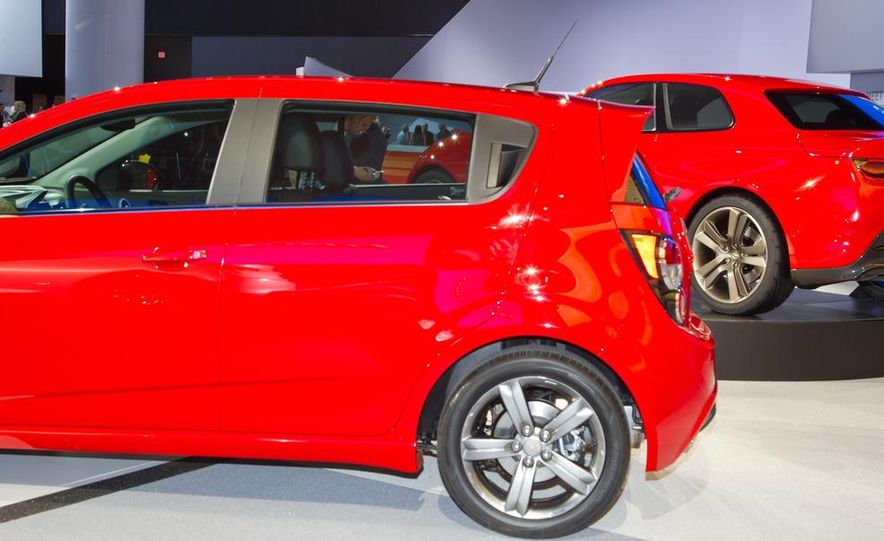 2013 Chevrolet Sonic RS - Slide 11