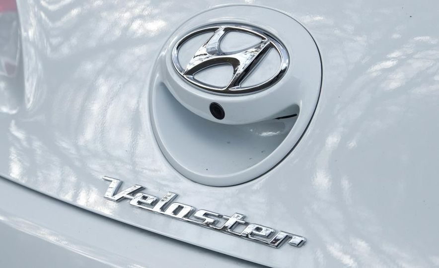 2012 Hyundai Veloster - Slide 18