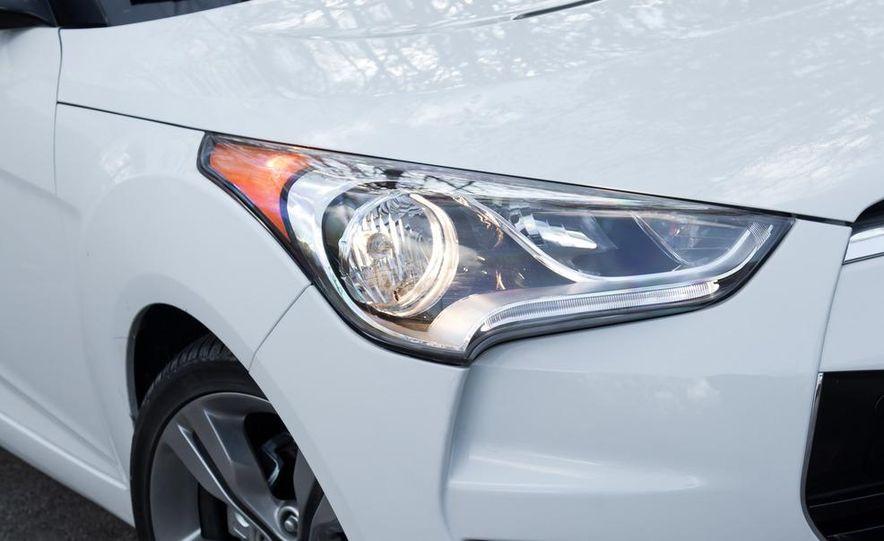 2012 Hyundai Veloster - Slide 15