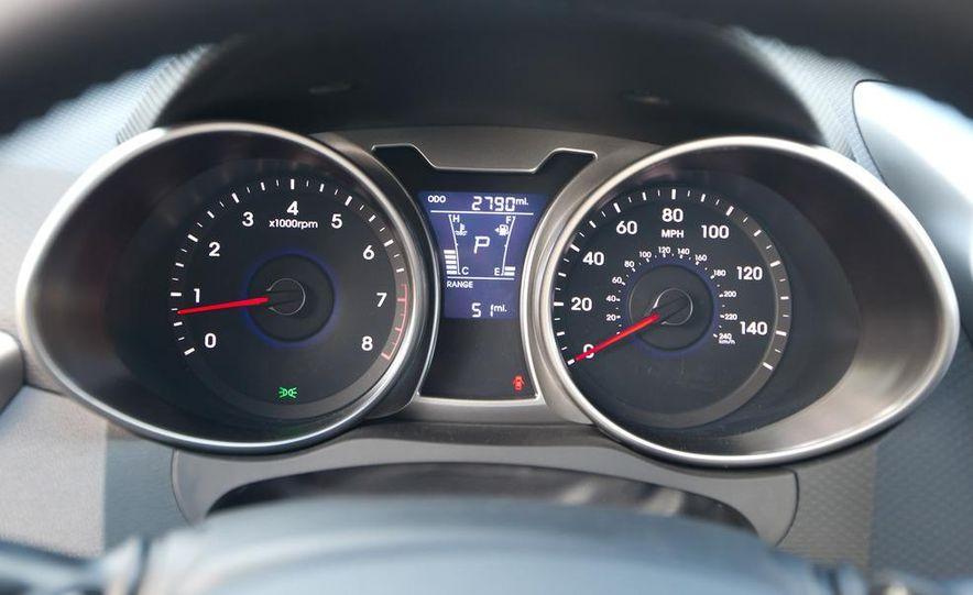2012 Hyundai Veloster - Slide 25