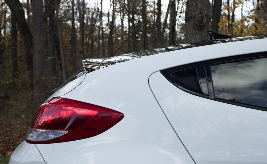 2012 Hyundai Veloster - Slide 16