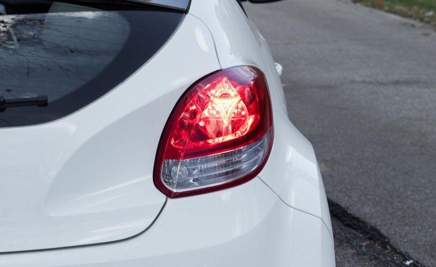 2012 Hyundai Veloster - Slide 17