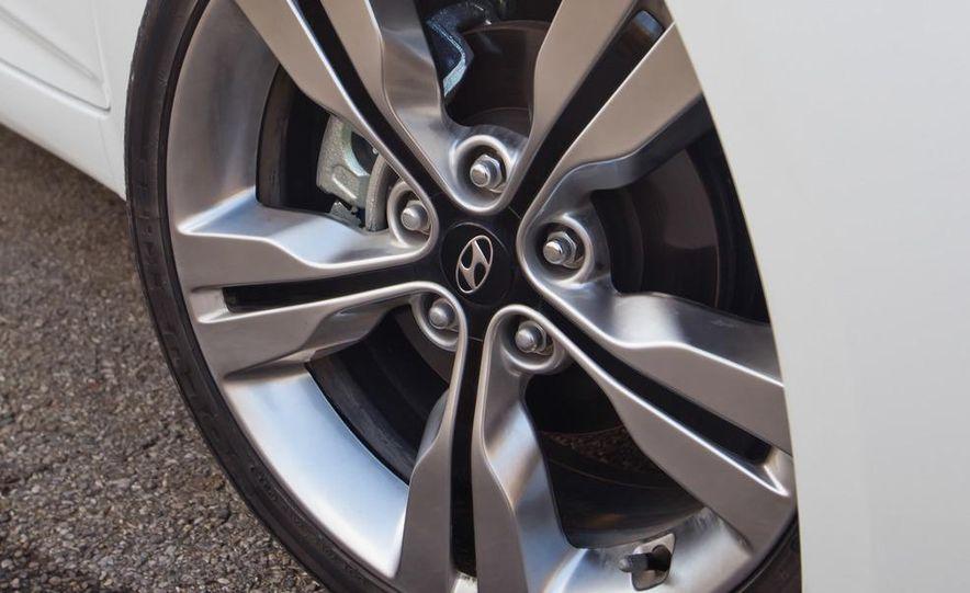 2012 Hyundai Veloster - Slide 19