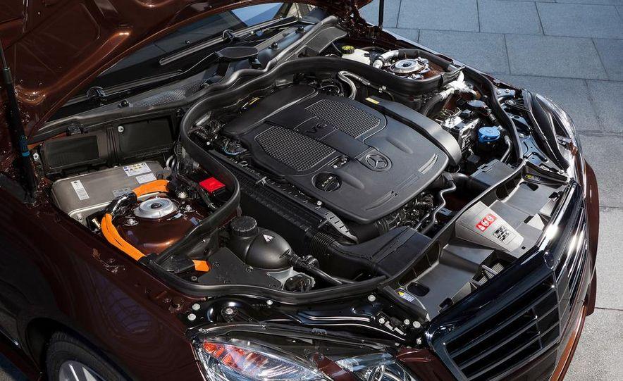 2013 Mercedes-Benz E400 Hybrid - Slide 15