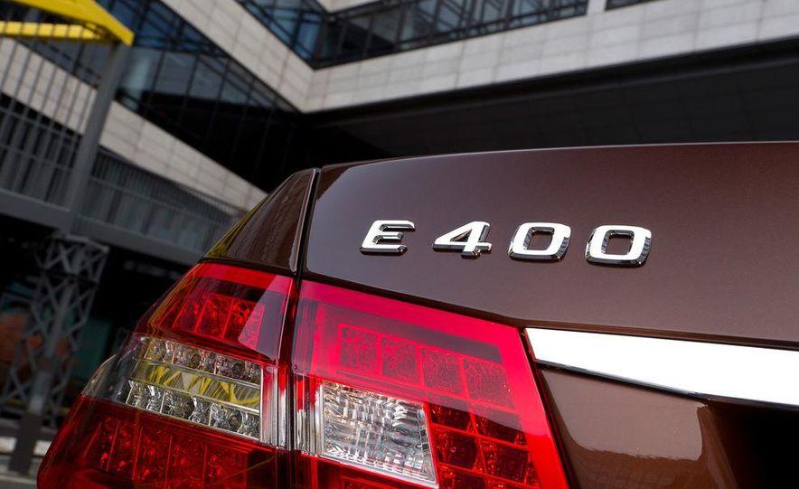 2013 Mercedes-Benz E400 Hybrid - Slide 9