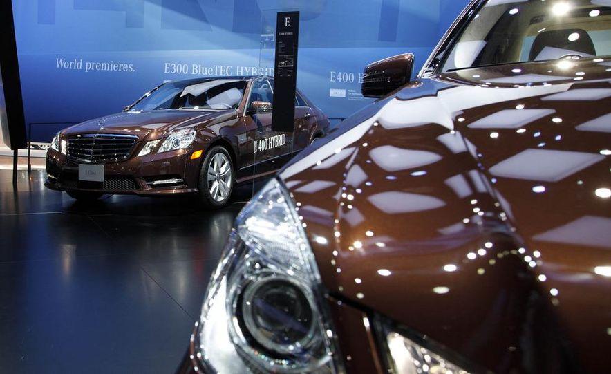 2013 Mercedes-Benz E400 Hybrid - Slide 2