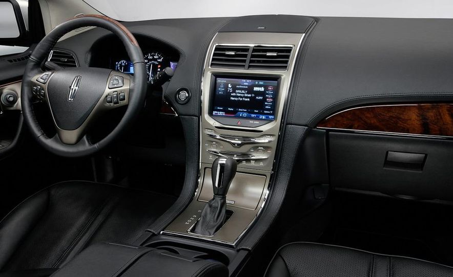 2011 Lincoln MKX - Slide 12