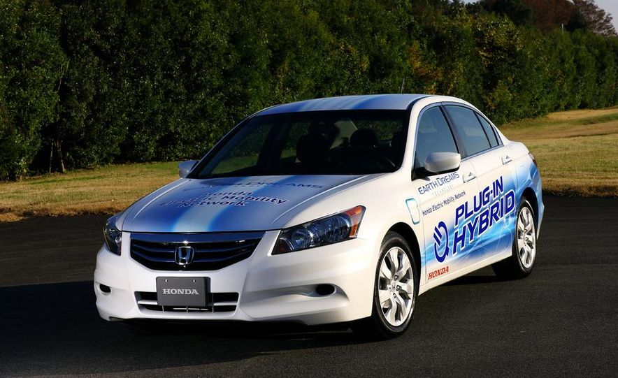 Honda Accord plug-in hybrid - Slide 1