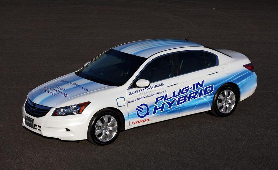 Honda Accord plug-in hybrid - Slide 2