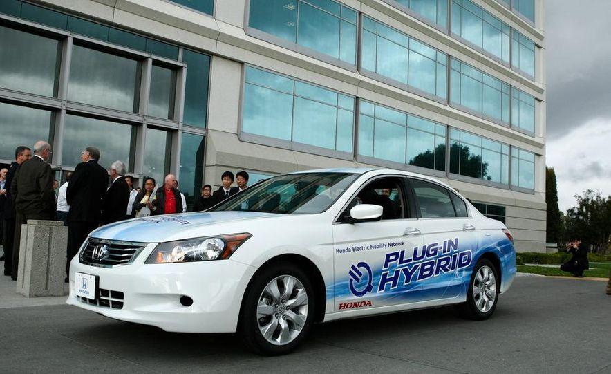 Honda Accord plug-in hybrid - Slide 4