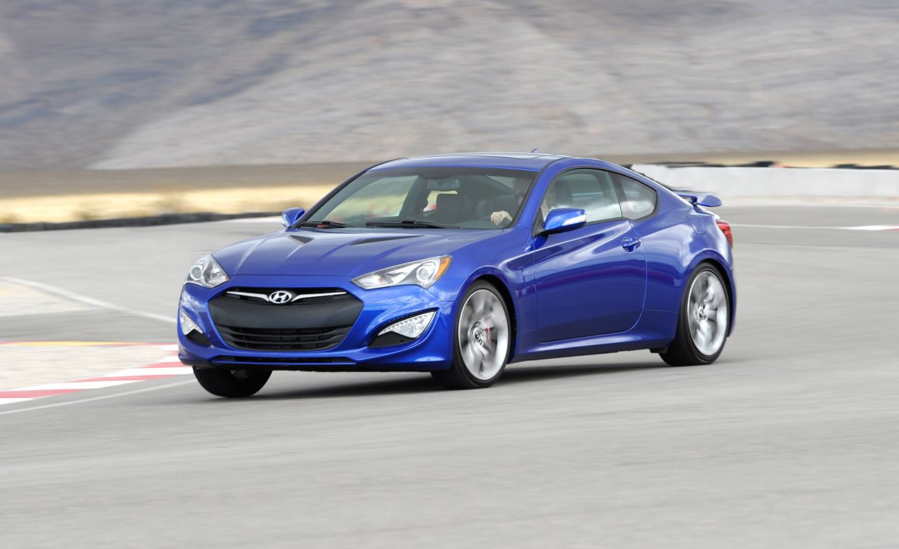 2013 hyundai genesis coupe first drive review car and driver rh caranddriver com hyundai genesis coupe automatic vs manual 2014 Hyundai Genesis Coupe