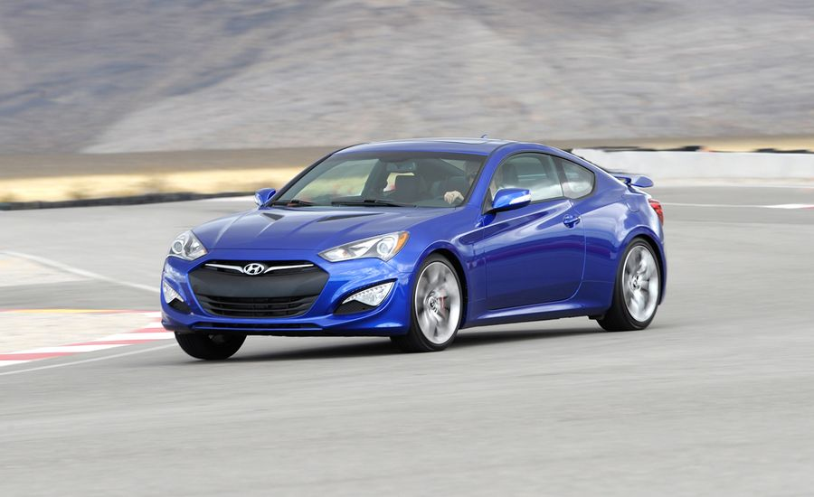 2013 hyundai genesis coupe first drive review car and driver. Black Bedroom Furniture Sets. Home Design Ideas
