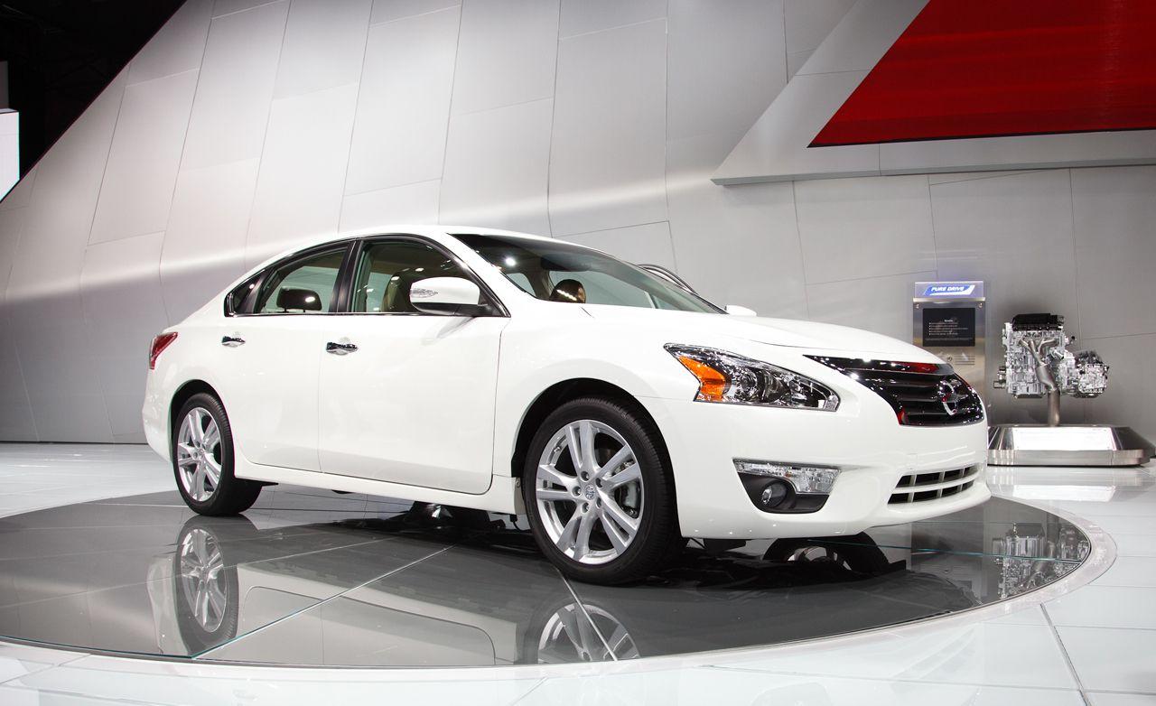 Beautiful 2013 Nissan Altima Sedan