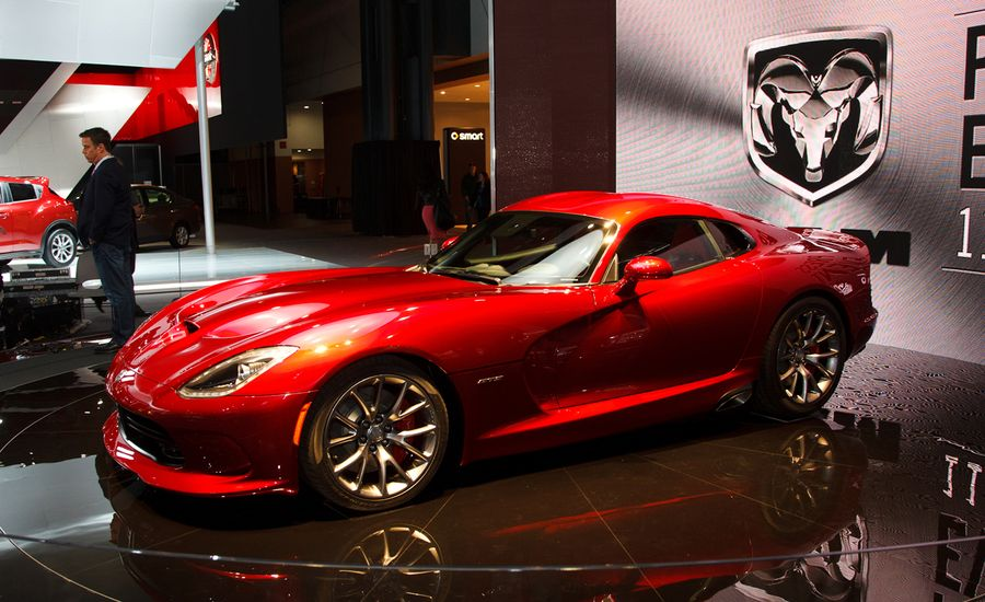 2013 Srt Viper Photos And Info News Car And Driver