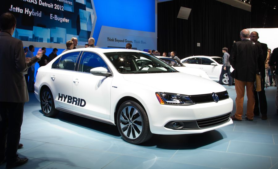 2013 Volkswagen Jetta Hybrid Photos and Info – News – Car and Driver