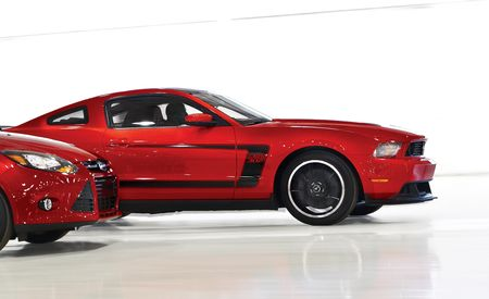 2012 Ford Mustang GT / Boss 302