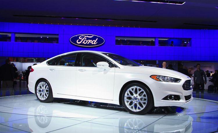 2013 Ford Fusion @ 2012 Detroit Auto Show