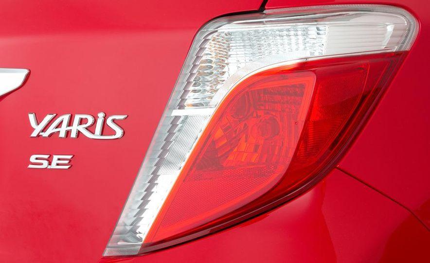 2012 Toyota Yaris SE - Slide 11