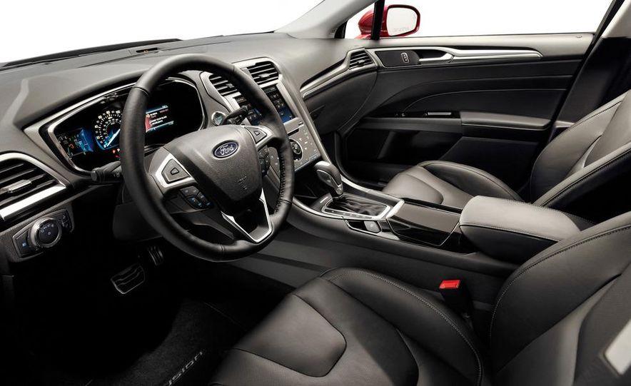 2013 Ford Fusion Titanium - Slide 25