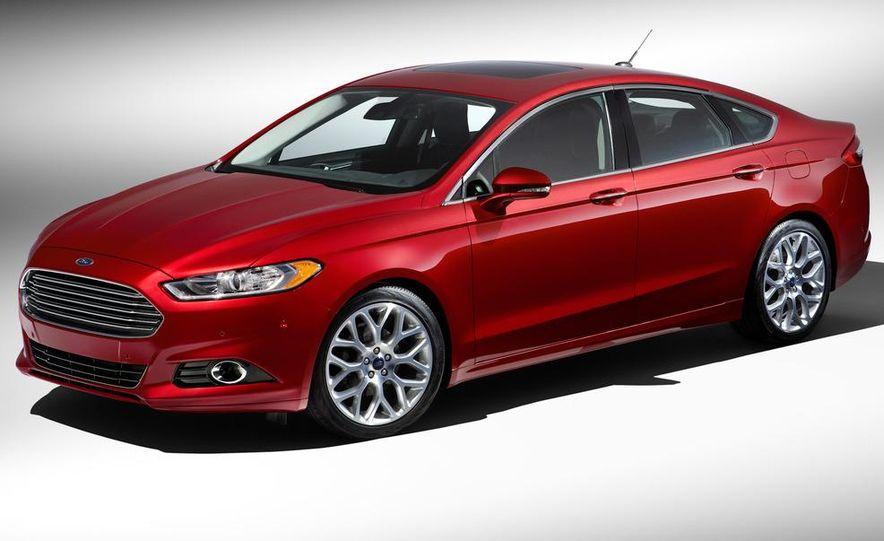 2013 Ford Fusion Titanium - Slide 21