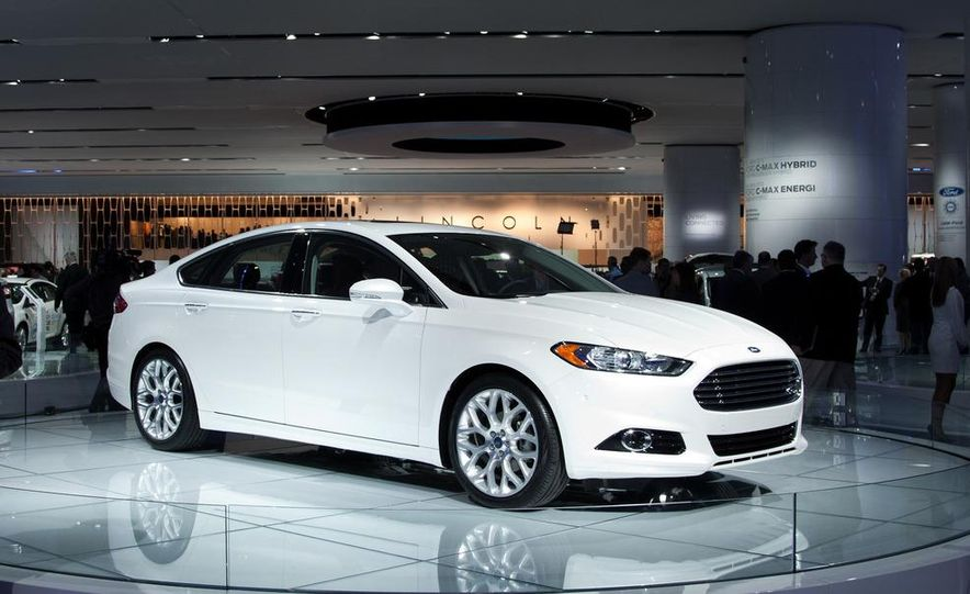 2013 Ford Fusion Titanium - Slide 5
