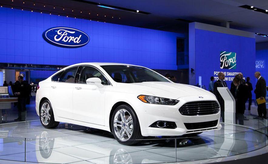 2013 Ford Fusion Titanium - Slide 8