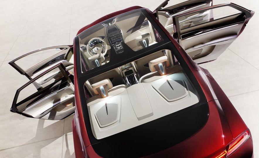 Lincoln MKZ concept - Slide 16