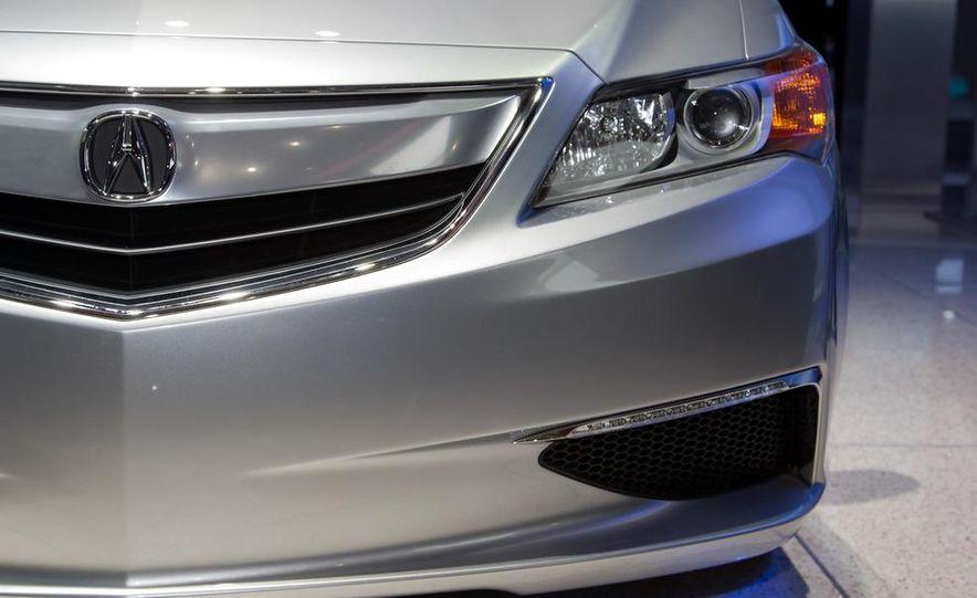 Acura ILX concept - Slide 14