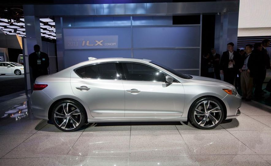 Acura ILX concept - Slide 2