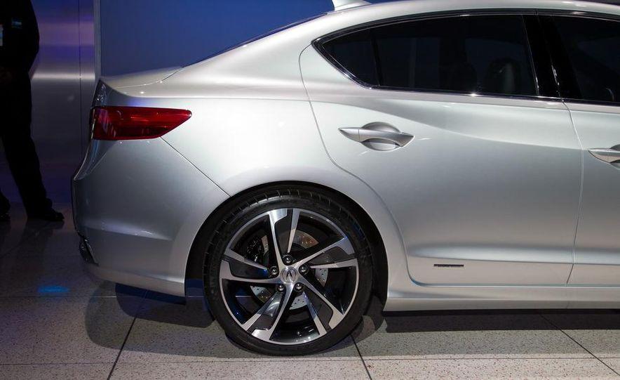 Acura ILX concept - Slide 17