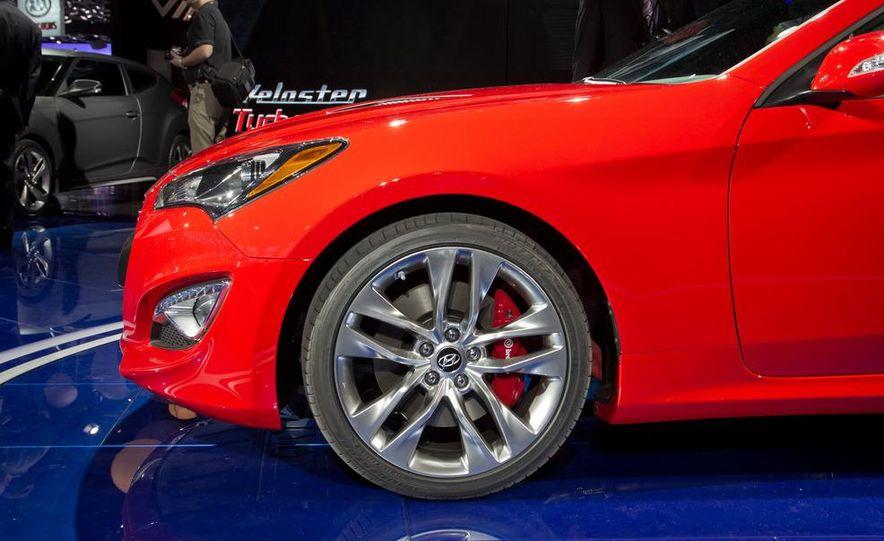 2013 Hyundai Genesis coupe - Slide 14