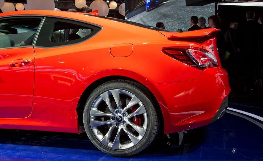 2013 Hyundai Genesis coupe - Slide 15