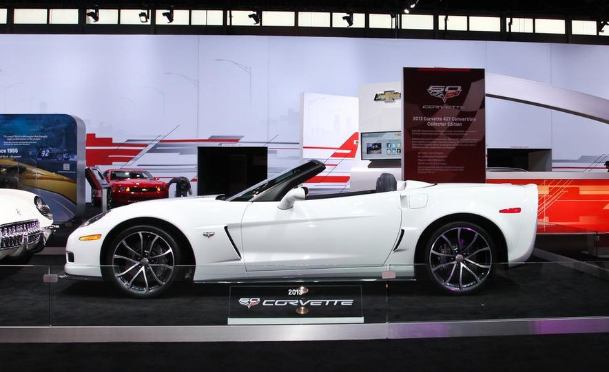 2013 Chevrolet Corvette 427 convertible - Slide 1