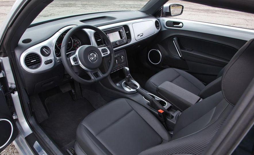 2012 Volkswagen Beetle 2.5 - Slide 18