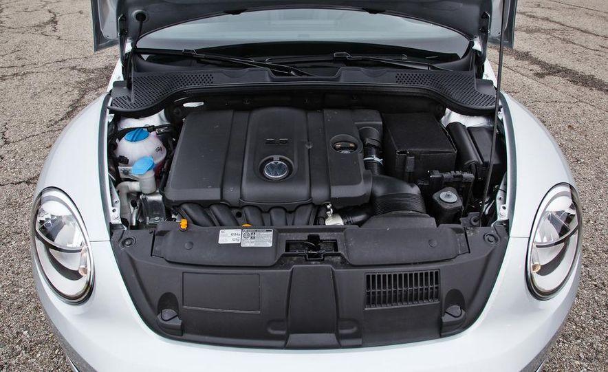 2012 Volkswagen Beetle 2.5 - Slide 26