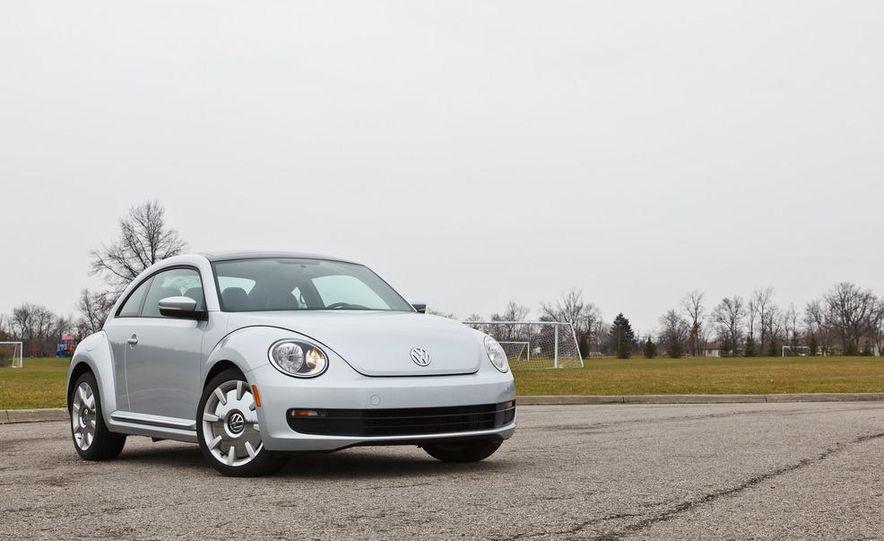 2012 Volkswagen Beetle 2.5 - Slide 8