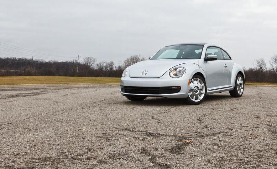 2012 Volkswagen Beetle 2.5 - Slide 9