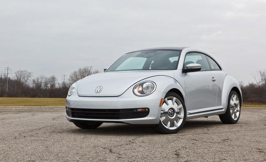 2012 Volkswagen Beetle 2.5 - Slide 10