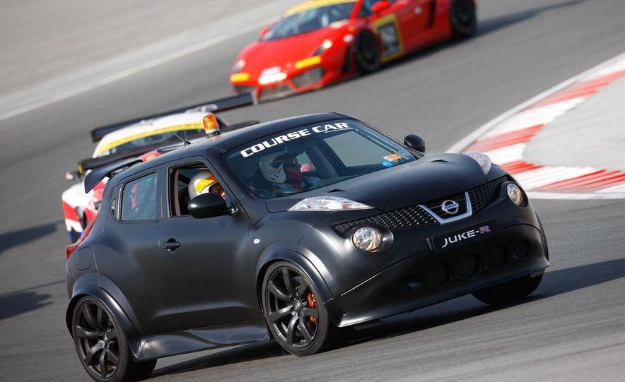 458 Italia and Nissan Juke-R - Slide 1