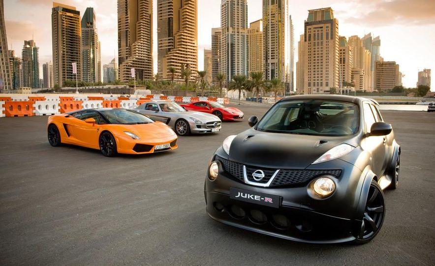 458 Italia and Nissan Juke-R - Slide 8