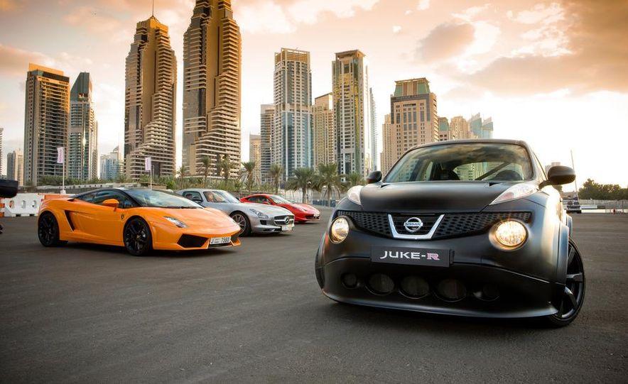 458 Italia and Nissan Juke-R - Slide 9