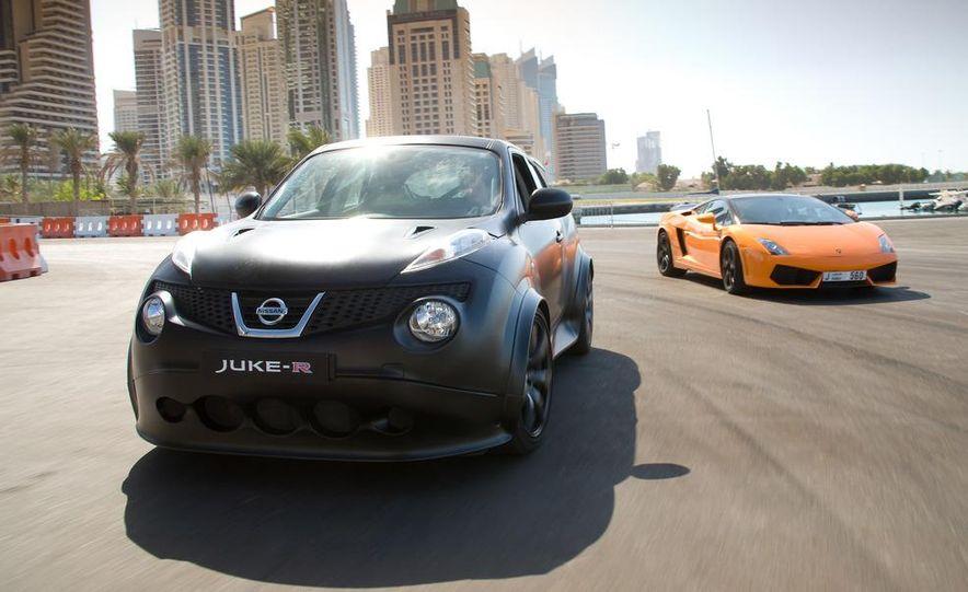 458 Italia and Nissan Juke-R - Slide 12