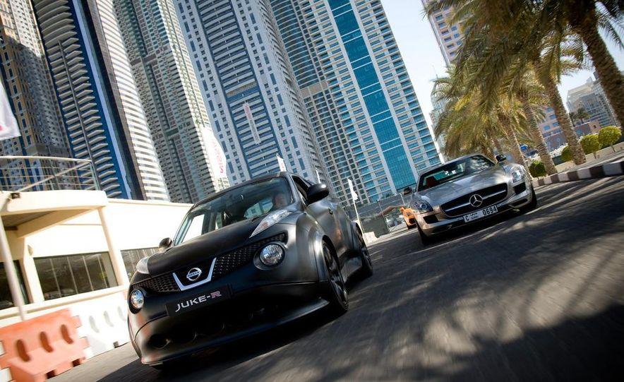 458 Italia and Nissan Juke-R - Slide 13