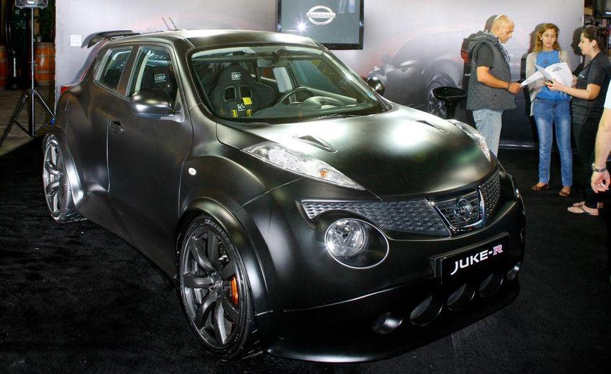 458 Italia and Nissan Juke-R - Slide 76