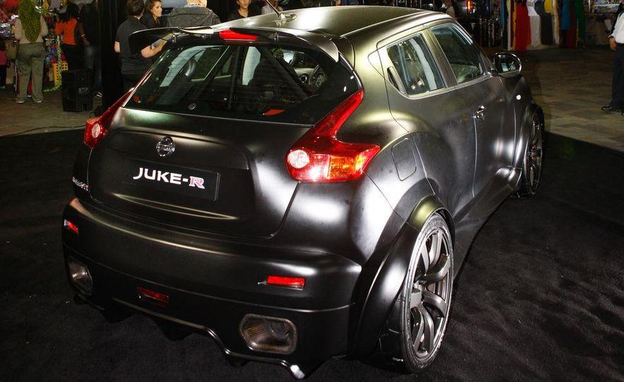 458 Italia and Nissan Juke-R - Slide 78